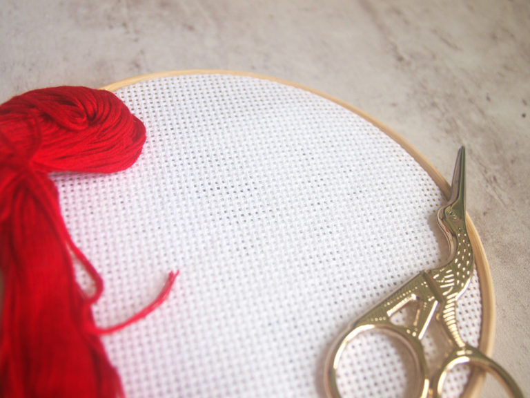 How to start cross stitch – no knots!